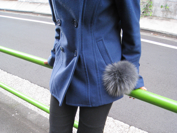 Fur_pom-pon_cell_phone_strap4.jpg.scaled1000